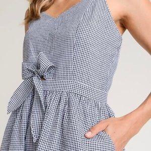 Doe & Rae boutique b/w seersucker gingham dress M